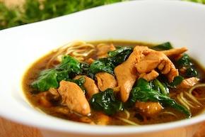 Zupa szpinakowa z kurczakiem