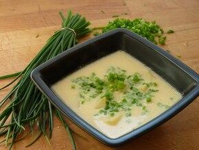 Zupa z młodych ziemniaków