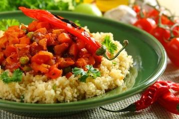 Aromatyczny kuskus z warzywami na ostro