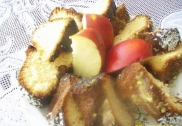 Babka piaskowa z jabłkami