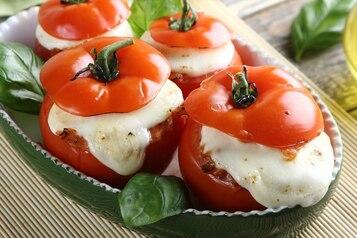 Faszerowane pomidory z mięsem i ryżem