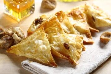 Figi z serem w cieście filo