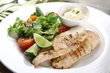 Grillowany kurczak w marynacie cytrynowej