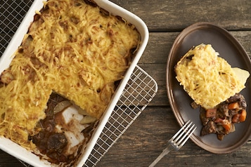 Gulasz wołowy z zapiekany z ziemniakami