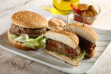 Hamburgery z niespodzianką