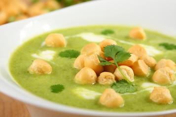 Hiszpańska zupa z zielonego groszku