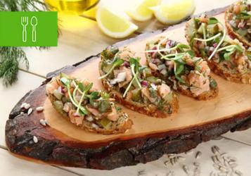 7 przepisów na kanapki z łososiem