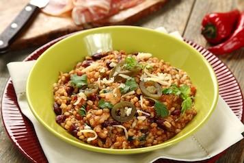Kaszotto meksykańskie z boczkiem wędzonym i papryczką jalapeno