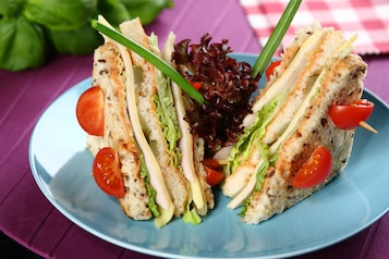 Klubowe mini kanapki dla dzieci na każdą okazję
