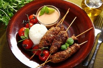 Kofta z sosem paprykowo-ziołowym