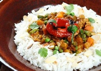 Kurczak curry z ciecierzycą