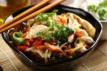 Kurczak po chińsku z mrożonymi warzywami