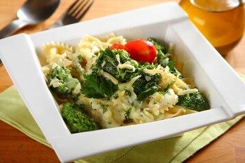 Makaron z brokułami i serem