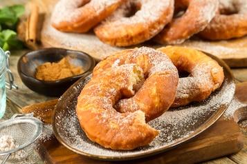 Makaronowe donuty, czyli pączki po amerykańsku
