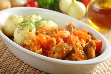 Mięso wieprzowe duszone z warzywami
