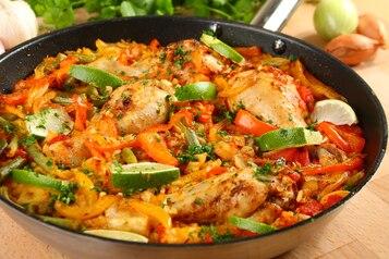 Paella z kurczakiem - VIDEO