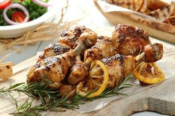 Pałki z kurczaka w ziołach z cytryną