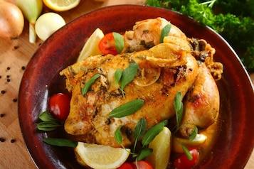 Pieczony kurczak z szałwią