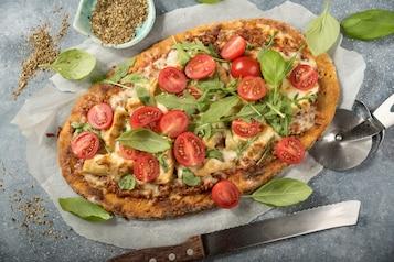 Pizza z batatów z zapiekanką po włosku i karczochami