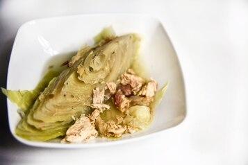 Półksiężyce kapusty gotowane z kurczakiem