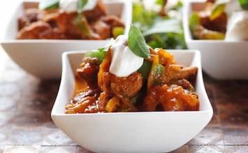Pomidorowy gulasz z curry
