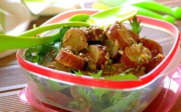Sałatka curry z pestkami słonecznika