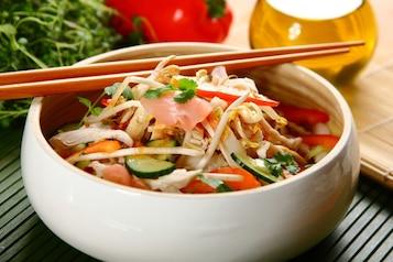 Sałatka orientalna z kapusty pekińskiej