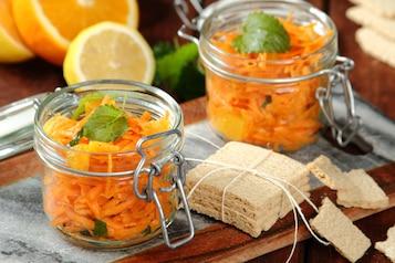 Sałatka z marchewki z pomarańczą i kuminem