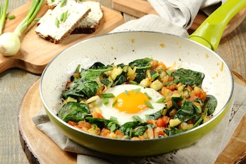 Szakszuka – jajka duszone w warzywach