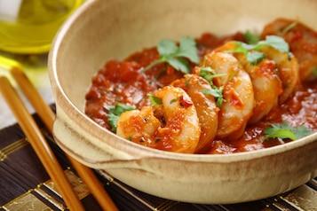 Smażone krewetki w delikatnym curry