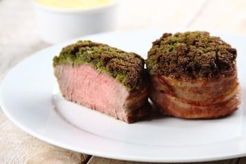 Stek z polędwicy wołowej z puree ziemniaczano-selerowym