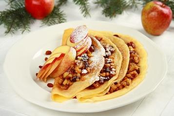 Świąteczne naleśniki z nadzieniem jabłkowym