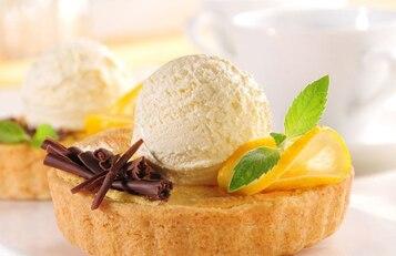Tarta cytrynowa z lodami waniliowymi