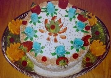 Tort z truskawkami i pomarańczami