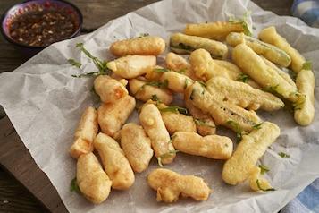 Warzywa smażone w cieście tempura z sezamem