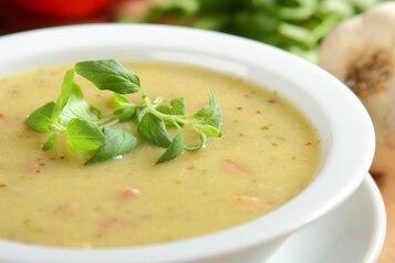 Zupa czosnkowa z boczkiem