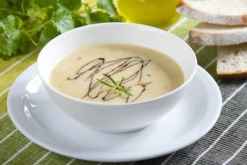 Zupa krem z kurek a la gulaszowa