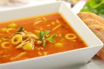 Zupa pomidorowa na winie