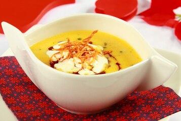 Zupa rybaka z grzybową nutą i olejem z dyni