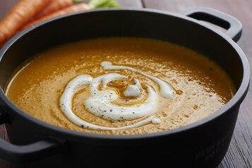 Zupa zmarchewki iciecierzycy