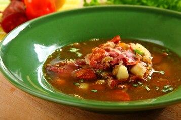 Zupa z soczewicy z jamon serrano