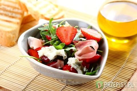 Sałatki truskawkowe