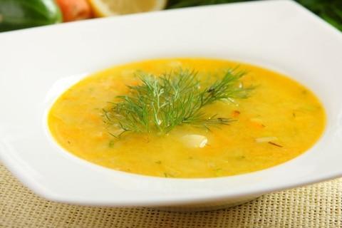 Wiosenne zupy z warzyw. Ogórkowa ze świeżych ogórków