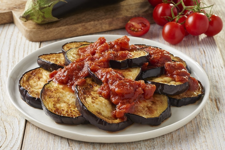 Bakłażan w sosie pomidorowym
