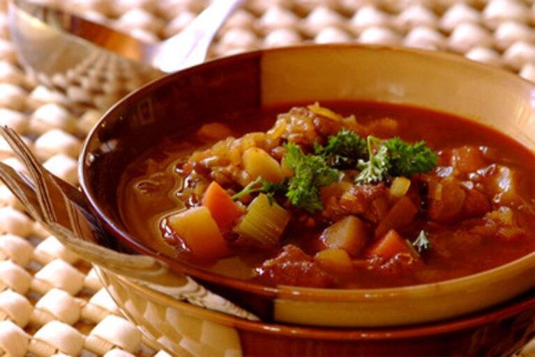 Aromatyczna zupa z soczewicą