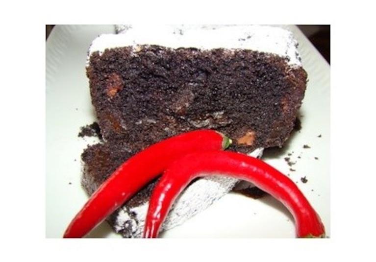 Brownie z mleczną czekoladą i suszonymi śliwkami