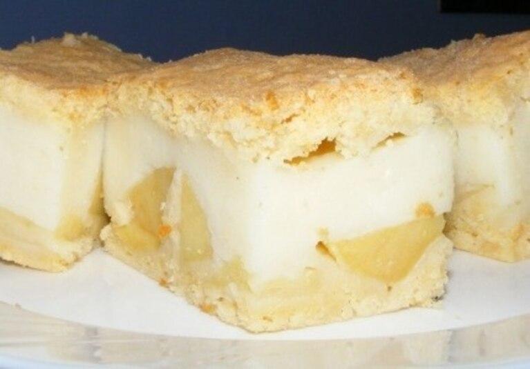 Ciasto budyniowo-jabłkowe