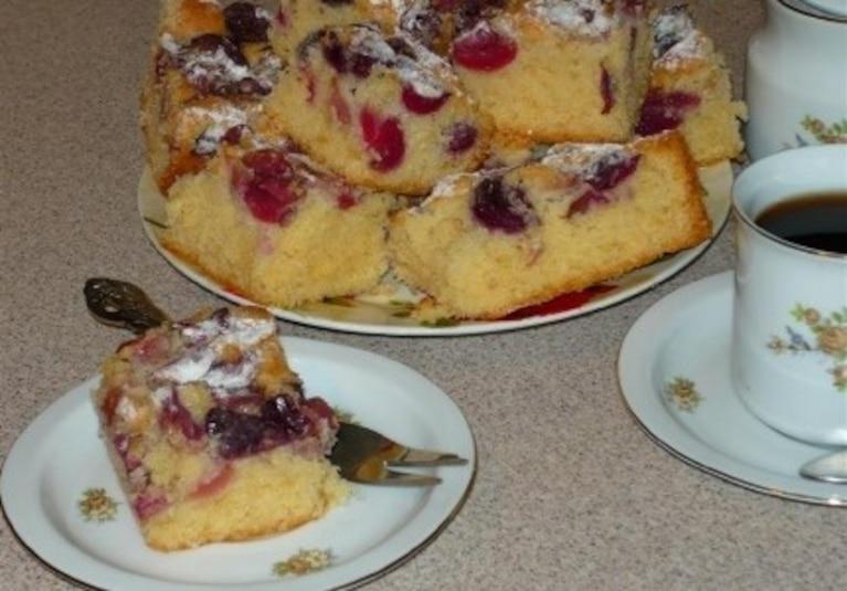 Ciasto całoroczne z czereśniami