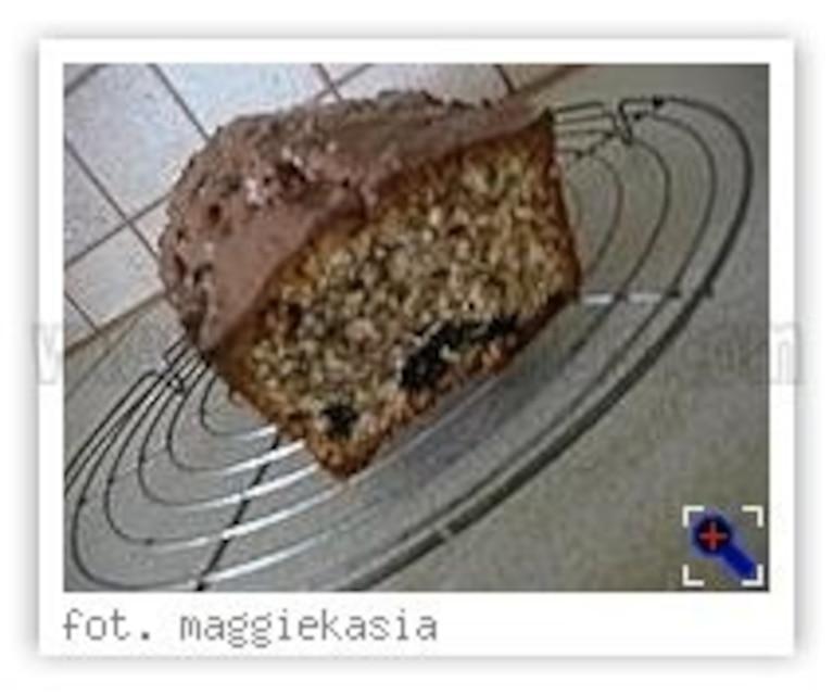 Ciasto cynamonowe z suszonymi śliwkami