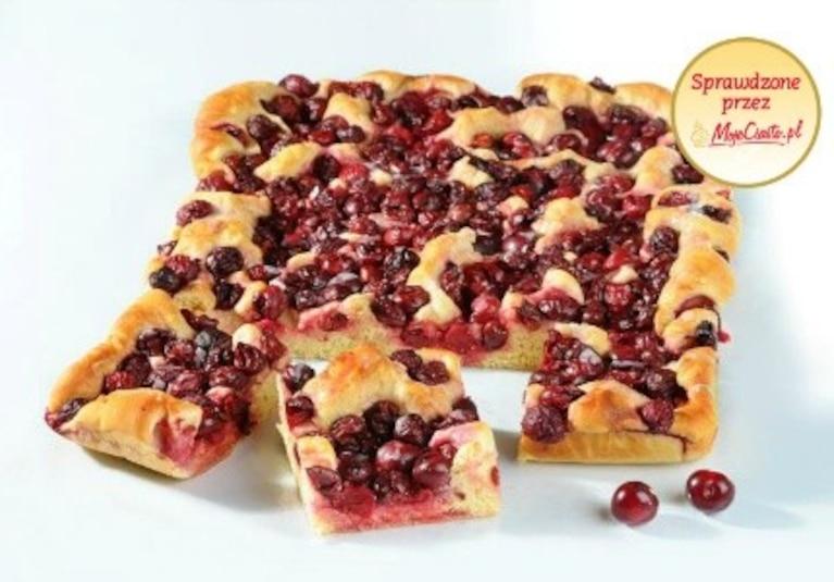 Ciasto drożdżowe z wiśniami